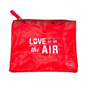 Pochette rouge Love is in the air