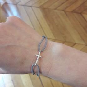 Bracelet cordon et croix