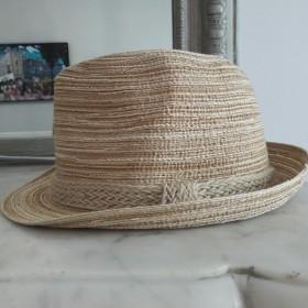 Chapeau sable
