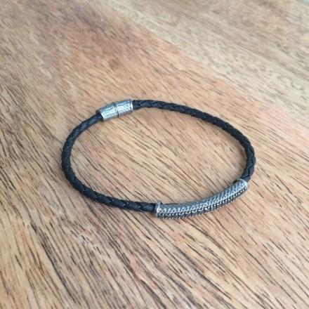 Bracelet cuir, argent et zircons noirs