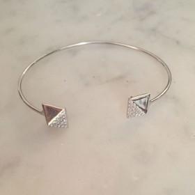 Bracelet cut pyramide